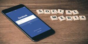 social media facebook smartphone iphone mobile