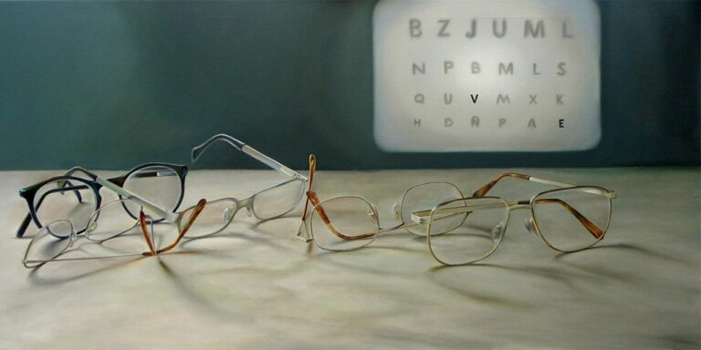 selective myopia glasses eyeglasses lenses optics