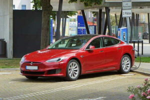 tesla auto electric car recharge electric ecar