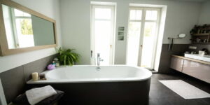 bathroom bathtub white ceramic bathtub
