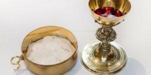 communion host wine blood body of Christ
