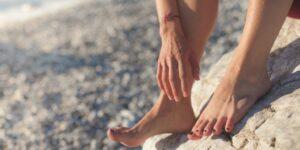 foot feet bare feet barefoot legs hands